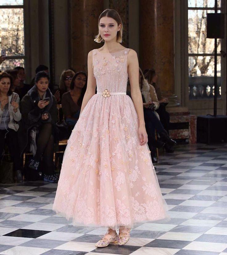 #GEORGESHOBEIKA's Spring-Summer 2016 Couture collection leaves you breathless... #parisfashionweek #paris #hautecouture #SS16 #monnaiedeparis #breathless