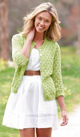 Frisk og sommerlig trøje med trekvartlange ærmer og feminint hulmønster