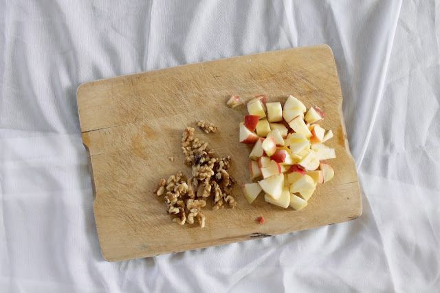 SELFTIMERS : Green Crunchy Salad Sweetness - Walnuts and apples yummy! Go over to the blog to see one of the tastiest salad recipes  BENEFITS OF WALNUTS:  - Excellent source of anti-inflammatory omega-3 essential fatty acids. - Rich in antioxidants - Very good source of manganese and copper.