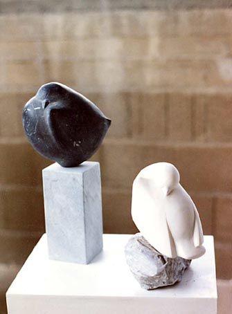 Blackbird 1999, marmo Marquinia Colomba 1998, marmo statuario, Caroline Van Der Merwe http://musapietrasanta.it/content.php?menu=artisti