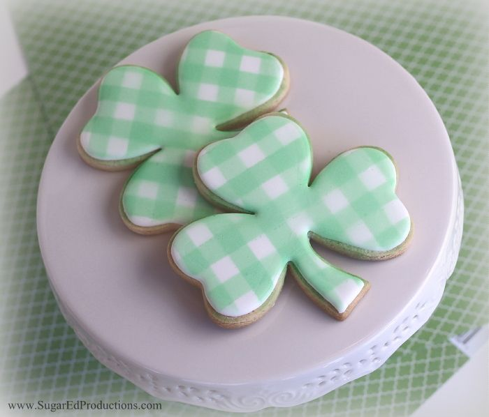Plaid Shamrock Cookies tutorial