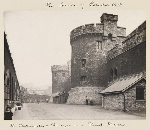 Tower of London 1898 #history #places #london #victoriana #victorian # #London #Gothic #Black and White