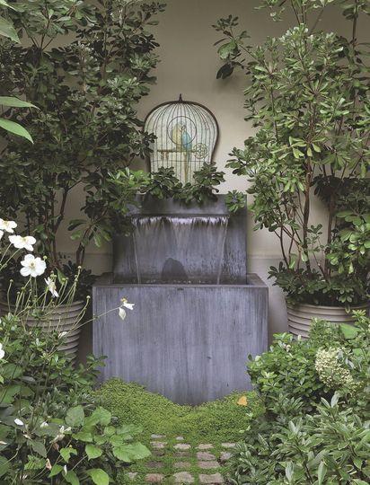 Fontaine en zinc Jardin et terrasse : zen, design, végétal - Côté Maison