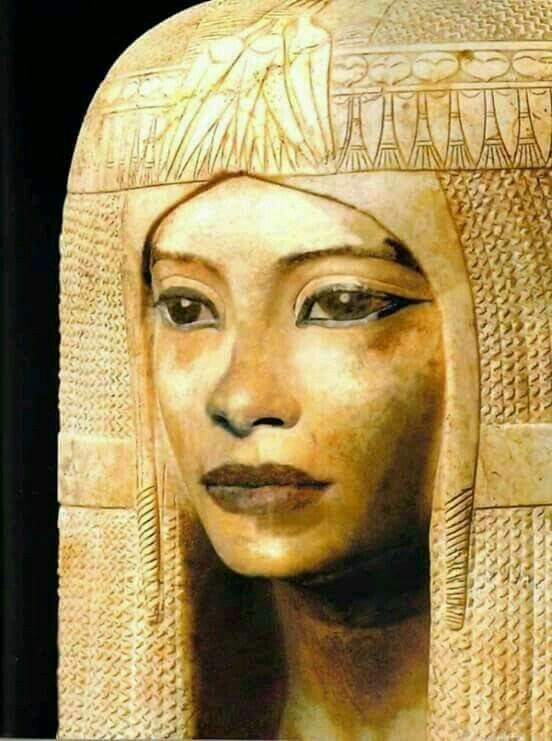 Mummy mask, dynasty 19th,during reign of Ramesses II. Ancient Egypt Pharaoh.