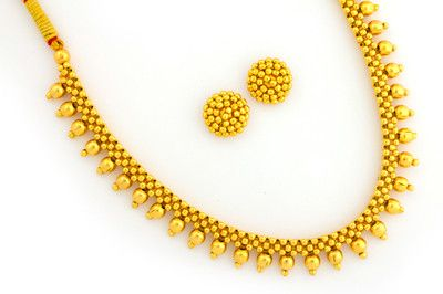 MAHARASHTRIAN CULTURAL DESIGN GOLD FORMED NECKLACE ( THUSHI WITH EARRINGS)