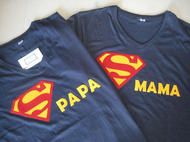 T-shirtjes voor mama en papa in superman stijl voor het houden van een fantastisch kinderfeestje!
