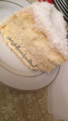 Hello je vous partage la recette d'un gateau que j'aime beaucoup, celui du mont blanc au coco connu chez les antillais.J'avais déjà posté la recette en juin 2016 mais j'ai apporté des modifications au niveau de la recette de la génoise. Ingrédients de...