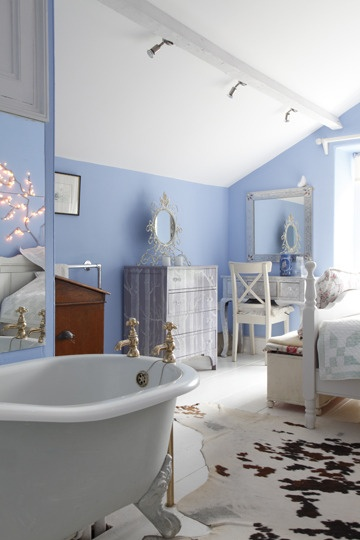 Bath in a bedroom