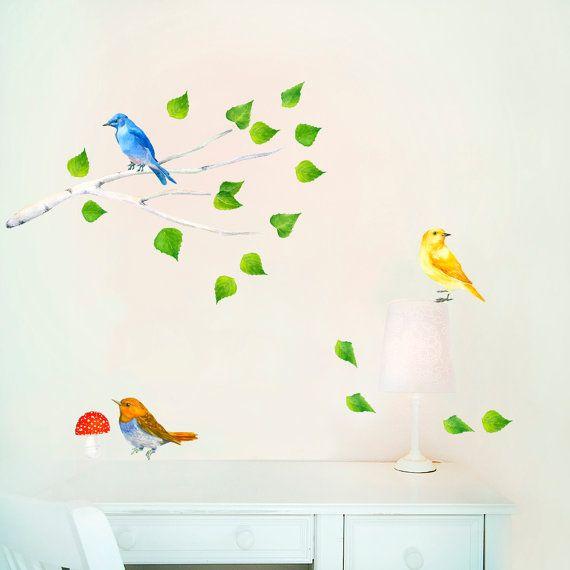 Decalcomanie da muro di ramo, vivaio Woodland Art, Stickers di uccelli, uccelli sul ramo, foresta decalcomanie murale, piccola camera, Gigantografie di vivaio  Adesivi murali uccelli sul ramo. Smontabili, repositionable e riutilizzabili molte volte! In PVC tessuto gratuito wall stickers.  Splendida aggiunta a qualsiasi vivaio, sala giochi o qualsiasi altra stanza.  -------------------------------------------------------------------------------------------------------  Dimensione:  Tutti gli…