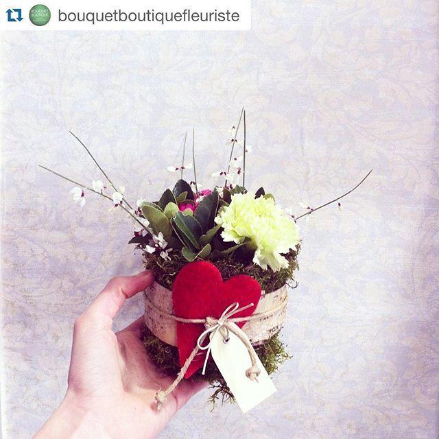 Piccola collaborazione con @bouquetboutiquefleuriste di #sandaniele! ❤️ #Repost @bouquetboutiquefleuriste ・・・ Menú del giorno: INVOLTINO DI PRIMAVERA #takeaway  Piccola composizione di fiori freschi realizzata con ginestre, roselline a grappolo e garofani! Il cuore in lana é de @ilricamificiofornidisopra !