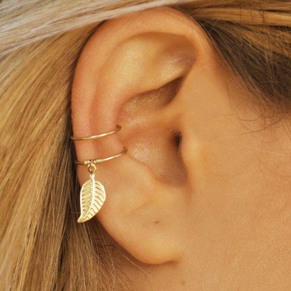 Este pendiente con hoja. | 16 Piercings falsos que no molestarán a tus padres