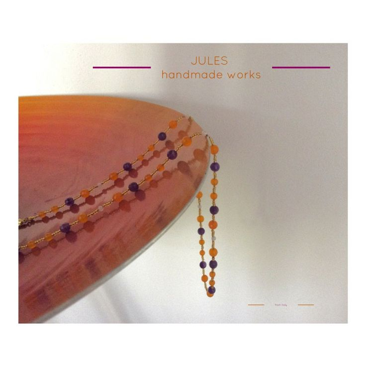 Collana VIOLA di Jules Handmade Works, eseguita con pietre naturali e perline dorate by JulesHandmadeWorks on Etsy