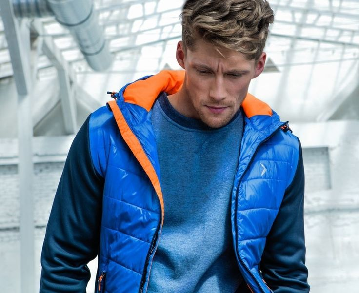 Style above all. #outhorn#defineyoursport#jacket#men#style#fashion#outfit#sportswear#active#lifestyle#autumn#blue#orange