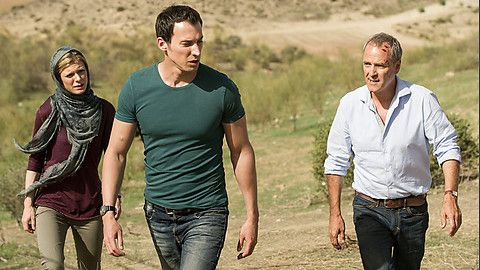 Even moar David Caves because that body. With Emilia Fox (Cousin to Laurence of Inspector Lewis) and William Gaminara from Silent Witness.