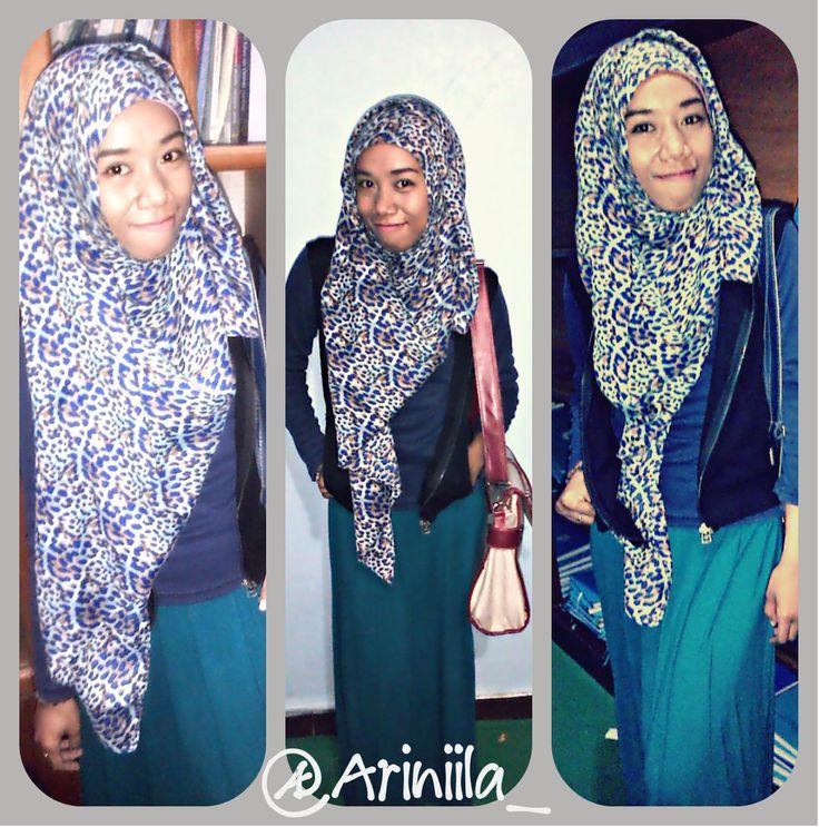 ini salah satu gaya hijab aku pas kuliah ^^