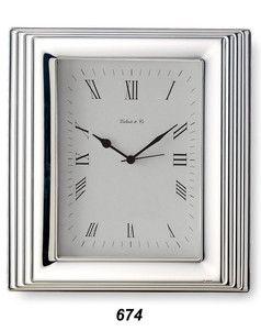 Elegancki zegar w srebrnej ramce, stanowi doskonały prezent z okazji urodzin. #imieniny #rocznica #slub