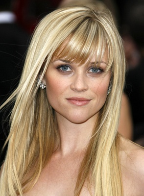 Reese Witherspoon at the 2007 Oscars. #reesewitherspoon