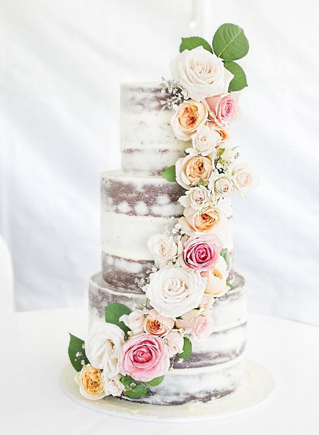 From the pastel color palette to the soft textures, these wedding cakes are the perfect example of a whimsical style. See more wedding cakes inspiration.