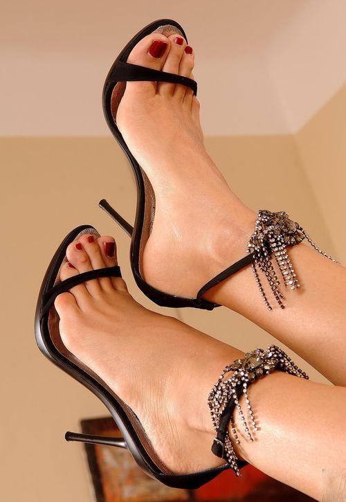 black-womens-feet-pics