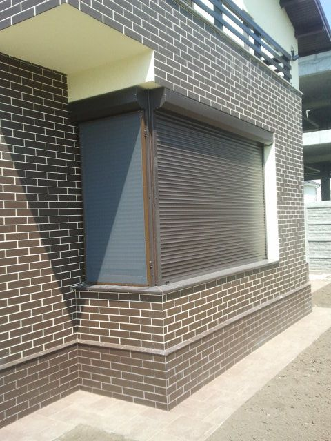 Rulouri exterioare din aluminiu pentru casa. Daca vrei sa vezi mai multe, intra pe www.jaluzeleprestige.ro