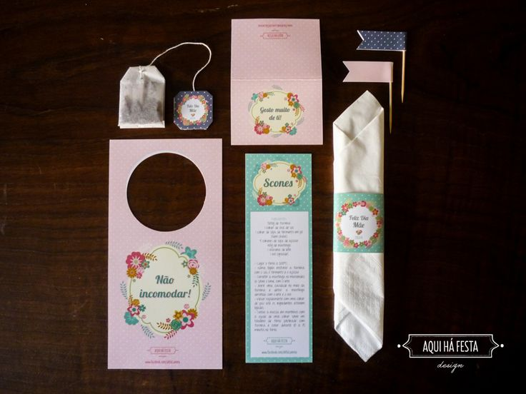 Breakfast Kit: tea bag, two flags, napkin ring, card for the door, folding card and scones recipe