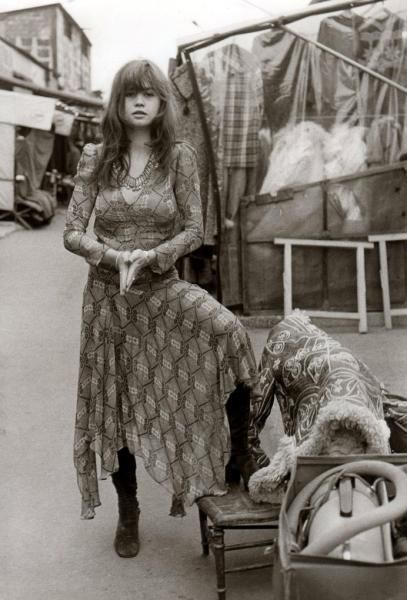 Maria Schneider free spirit travelling light but with what looks like a hoover in a box?: