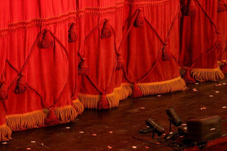Teater och scenkonst #allautbildare #teater #scen #standup http://www.allautbildare.se/search/leisure/scen-och-teater/alla-regioner/Fritext/.wholesite
