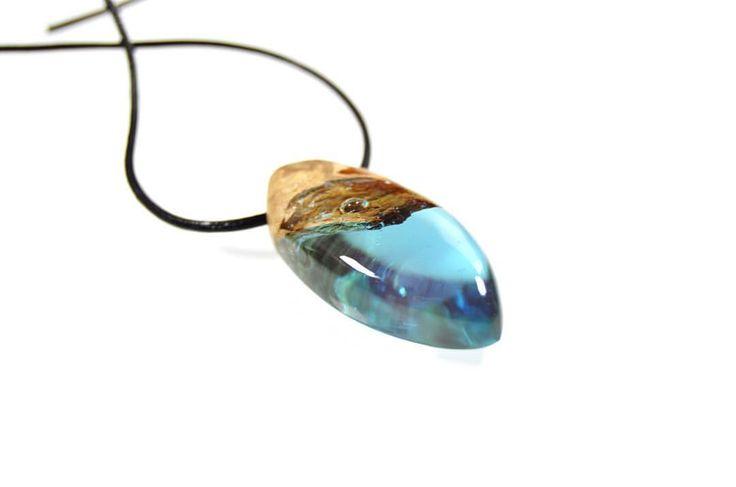@nulu.jewellery at Instagram #wood #resin #woodennecklace #woodenjewelry #jewellery #jewelry