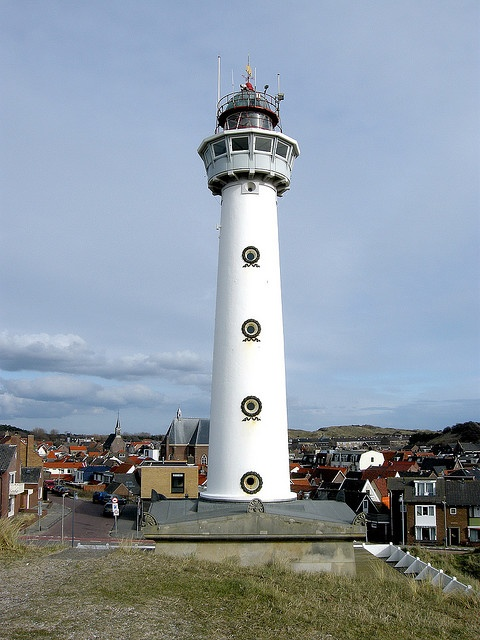 ♥ the windows in this lighthouse in North Holland.