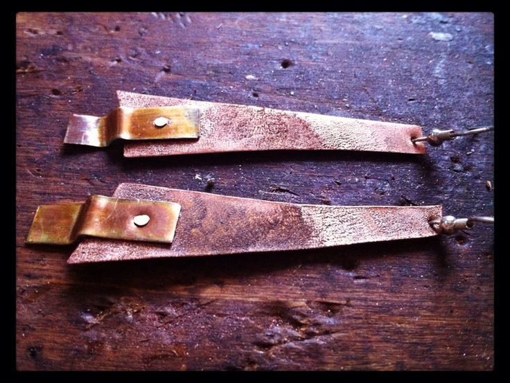 Orecchini in rame inciso e infuocato  #orecchini #earrings #rame #copper #handmade #handmadeitaly https://www.facebook.com/serendipitystudioarte/