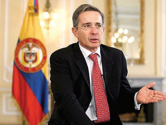 Alvaro Uribe acusa a FARC del caso Iguala