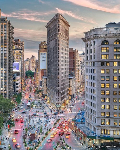 The Flatiron Building by @jazthenycphotographer
