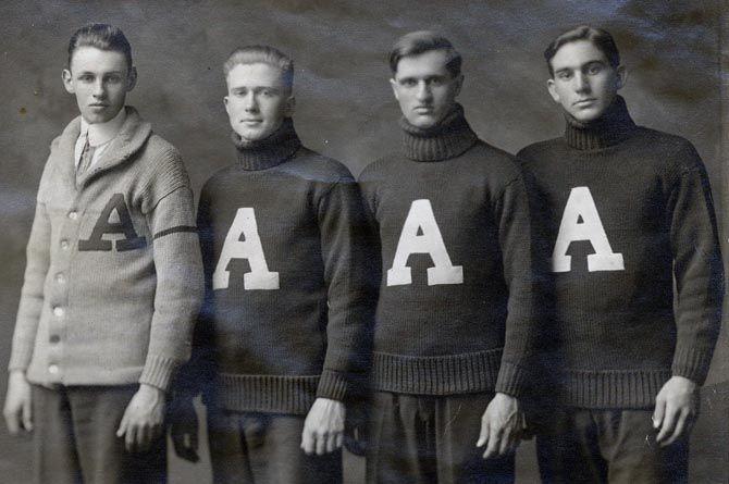 letterman sweater Style Ivy League et style italien
