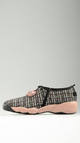 Wool knit jewelled runner shoes