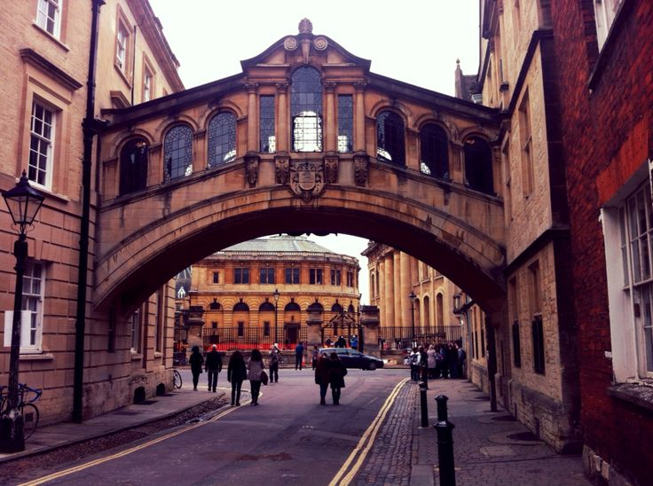 Wandering around Oxford, love the architecture