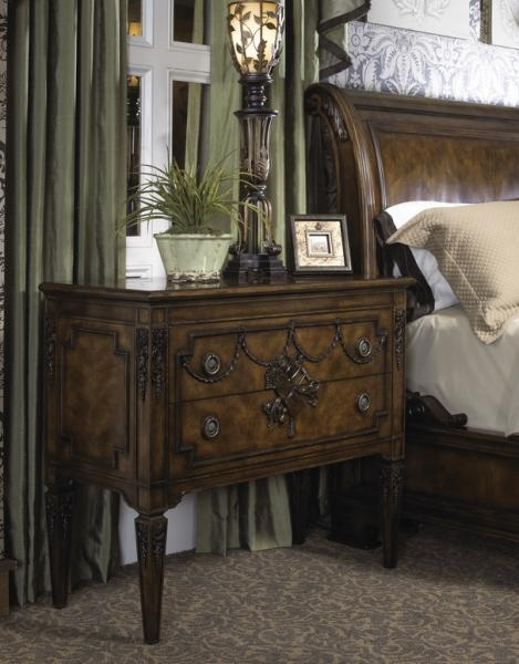 93 best decadent avenue living rooms images on pinterest for Fine dining room furniture brands
