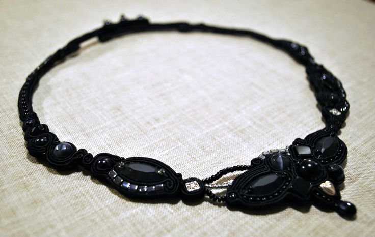 Black necklace - Handmade Wonderland