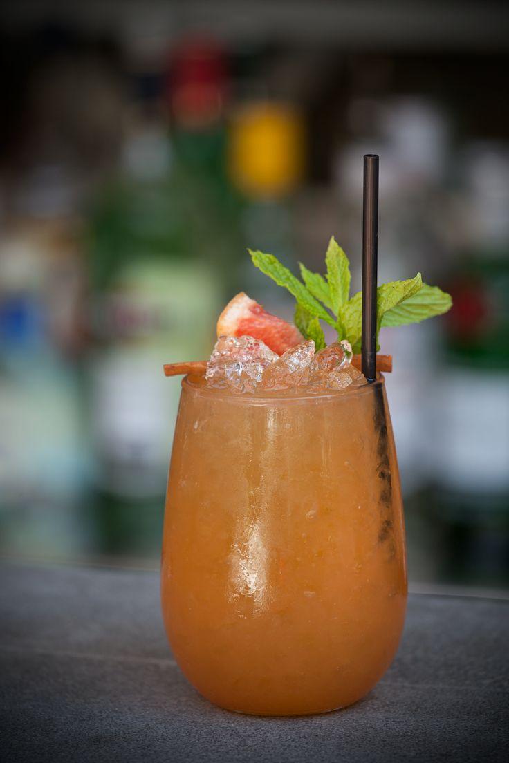 Zombie #5: rum, grape fruit juice, lemon juice, maraschino liquor, cinnamon, passion fruit.