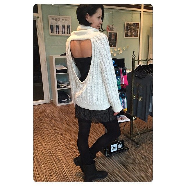 SOLTICE BACKLESS SWEATER at FASHION ADDICT