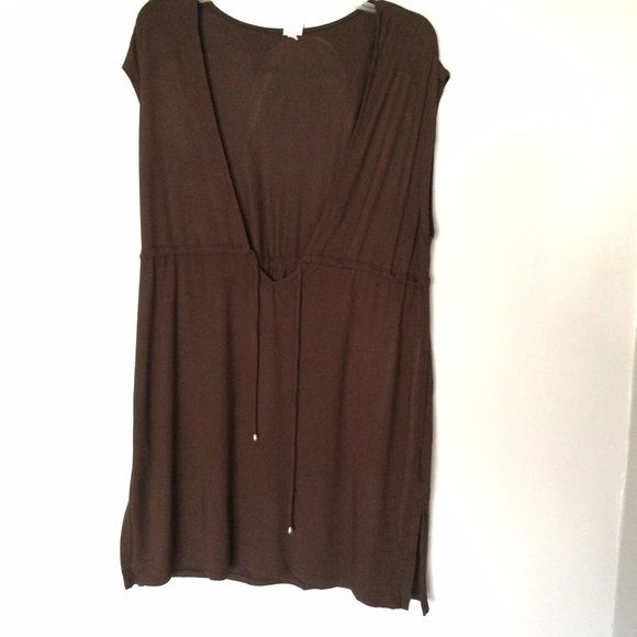 Brown Swimsuit Cover Up Brown swimsuit cover-up. Has low v-neck and drawstring with gold accent. Small slits on the sides. Soft, flowy material. // Merona brand // Sz L // non-smoking home Merona Swim Coverups
