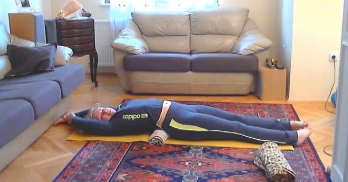 TOTO je slávny japonský spôsob, ako schudnúť a zlepšiť si držanie tela. Stačí ti 5 minút a uterák!