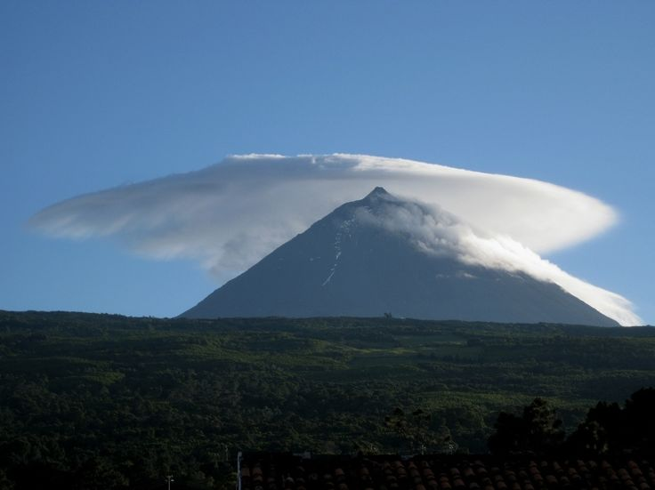 lenticular clouds, Ilha do Pico, Açores