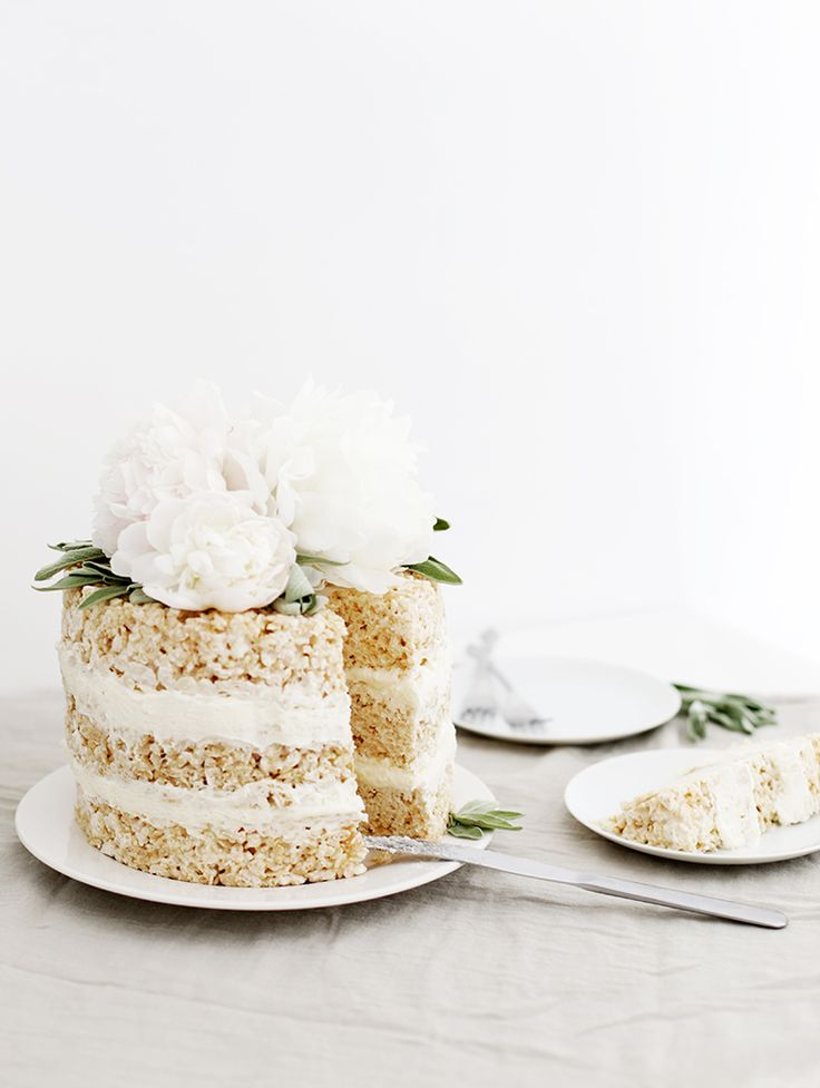 Rice Krispie Cake @themerrythought