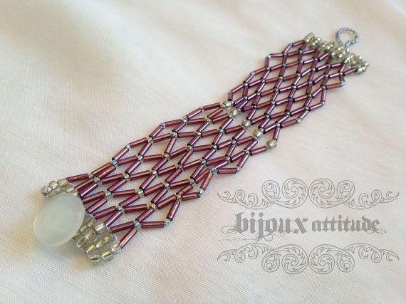 Bracelet manchette tissé zigzag violet // Purple zig zag woven bracelet -- #etsyqc #faitmain #etsylaval #jewelryonetsy