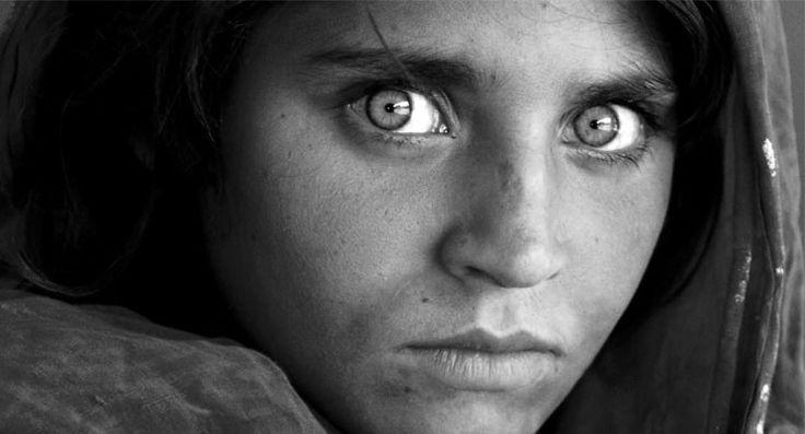 'Afgan kızı' Şerbet Gula, Pakistan'da sahte kimlik gerekçesiyle tutuklandı