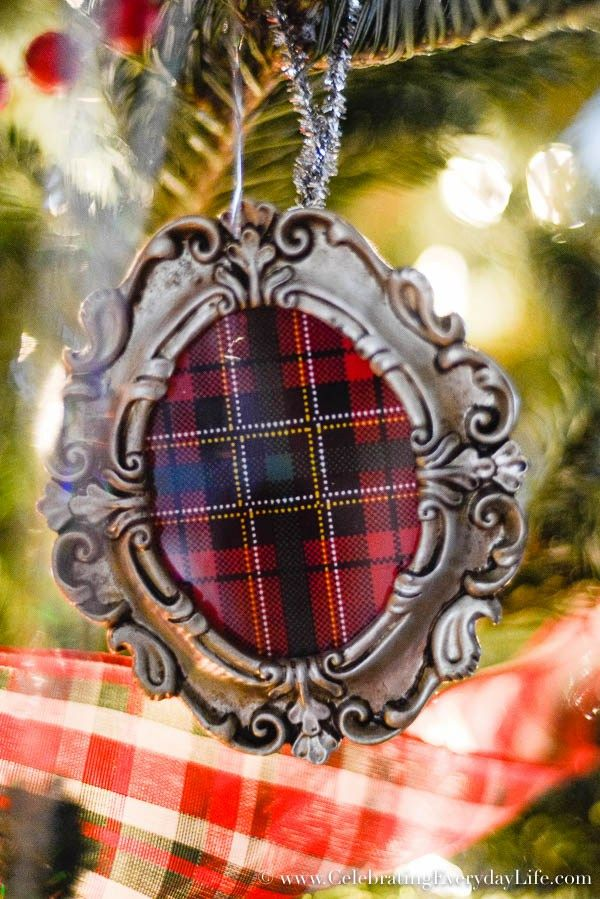 DIY Plaid Ornaments, My Plaid Christmas Tree Decorations, Plaid ribbon garland, Old Fashioned Christmas Tree, Red & Green Christmas Tree, Celebrating Everyday Life with Jennifer Carroll