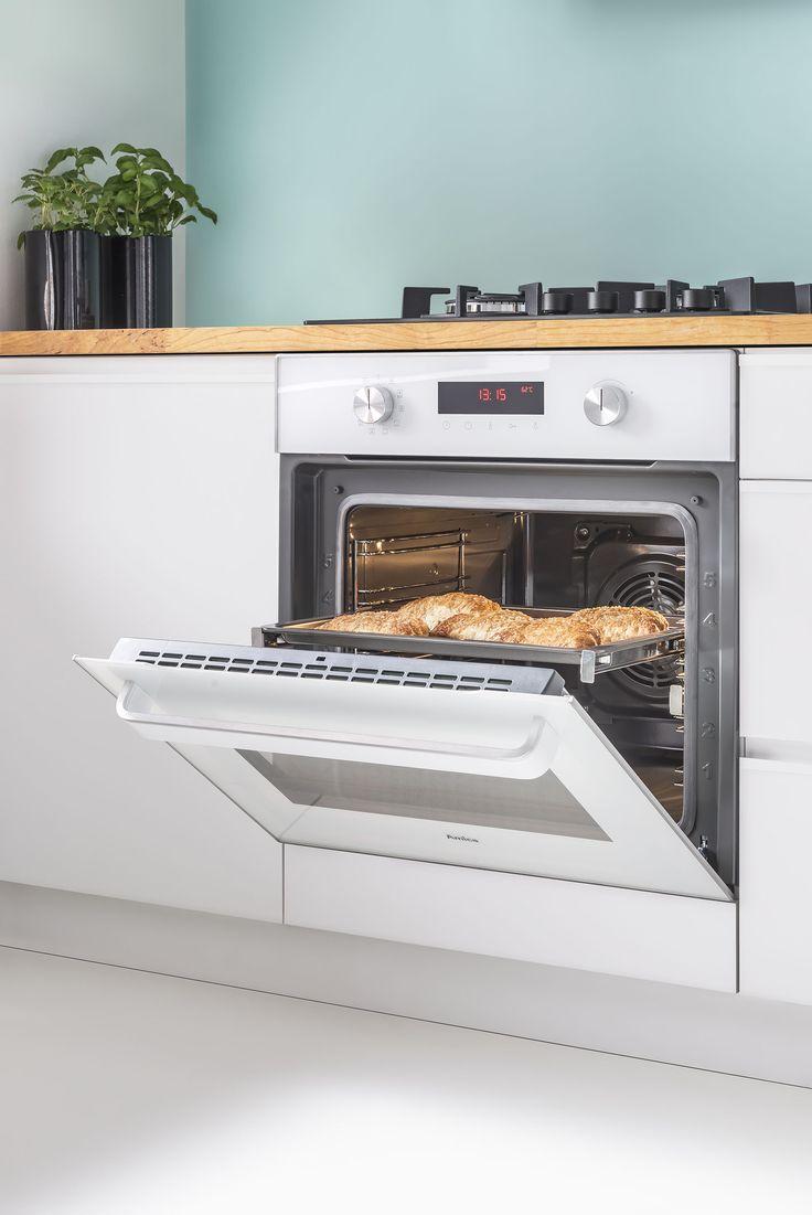Sprzęty Amica INTEGRA posiadają szereg praktycznych technologii, które zagwarantują doskonałe efekty pieczenia, skuteczne czyszczenie - przy zachowaniu pełnego bezpieczeństwa użytkowania. Dowiedz się więcej: http://www.amica.pl/integra