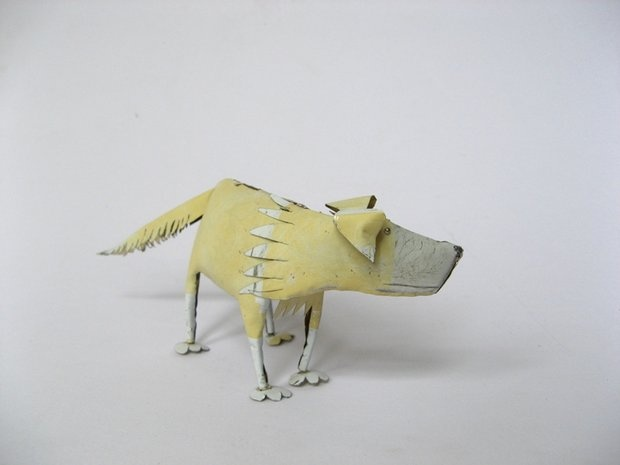 Dog sculpture by Lucy Casson