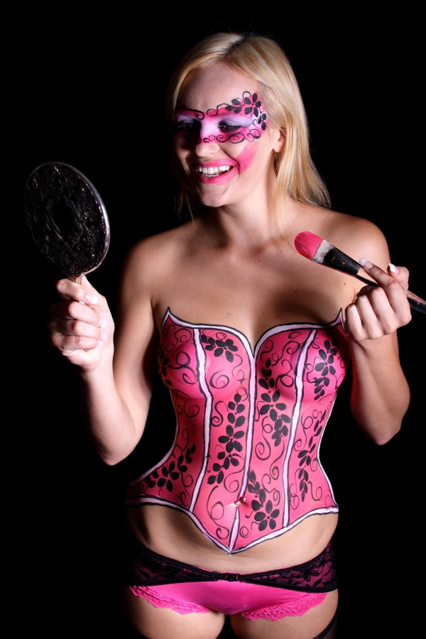 naturist woman cool body paint body paintings pinterest female bodies body paint and art. Black Bedroom Furniture Sets. Home Design Ideas