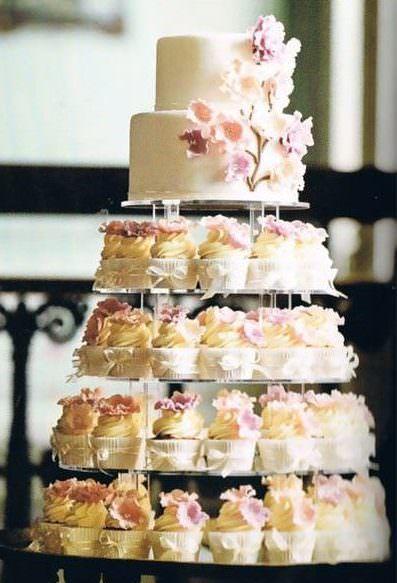 「カップケーキ」ウエディングケーキでオリジナル&お洒落な結婚式に! #ウエデイングケーキ #カップケーキ #結婚式 #うえでいlング #ケーキ